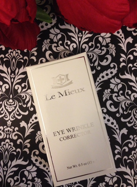 Le Mieux Eye Wrinkle Corrector outer box neversaydiebeauty.com @redAllison