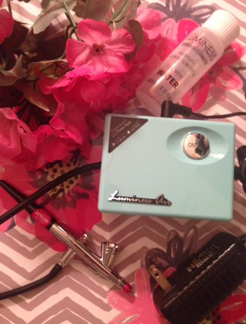 Luminess Air Legend airbrush makeup system neversaydiebeauty.com @redAllison