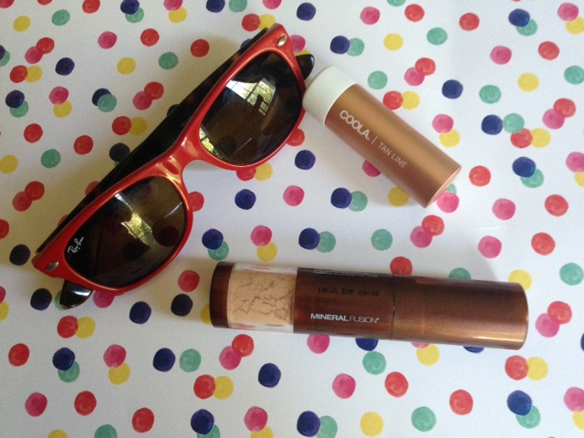 sun protective products: Mineral Fusion Brush-On Sun Defense & Coola Mineral Liplux Tan Line lip balm neversaydiebeauty.com @redAllison