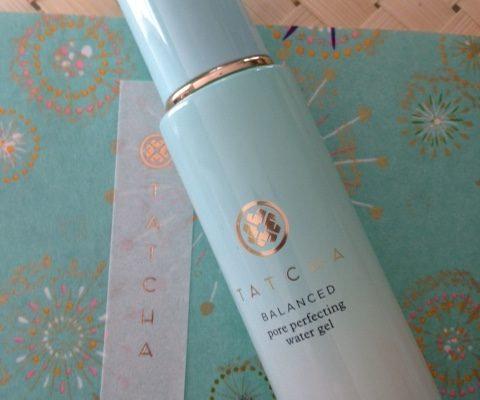 Tatcha Balanced Pore Perfecting Water Gel Moisturizer on Tatcha rice paper and straw box neversaydiebeauty.com