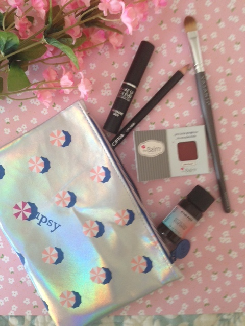 ipsy Hot Summer Nights bag and makeup inside for July 2016 neversaydiebeauty.com @redAllison