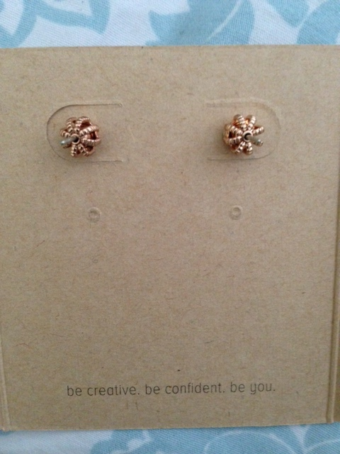 Chloe+Isabel stud earring backs neversaydiebeauty.com