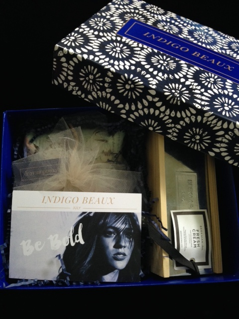 Indigo Beaux subscription box, open showing the product card Be Bold neversaydiebeauty.com @redAllison