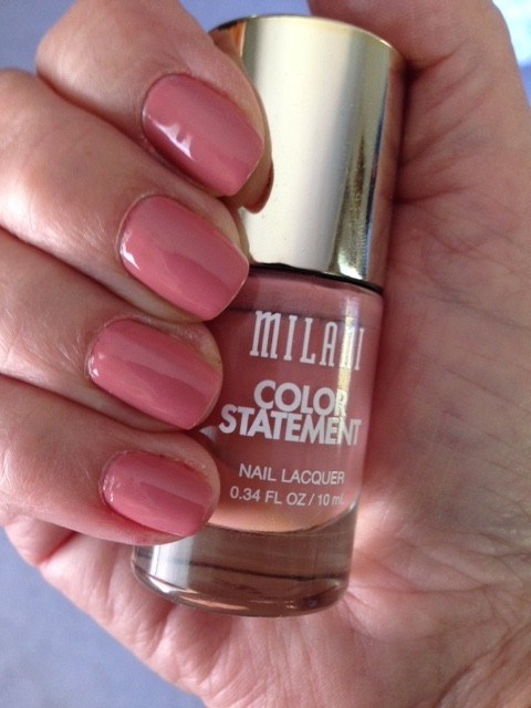 nails wearing Milani Pink Beige Nail Lacquer neversaydiebeauty.com