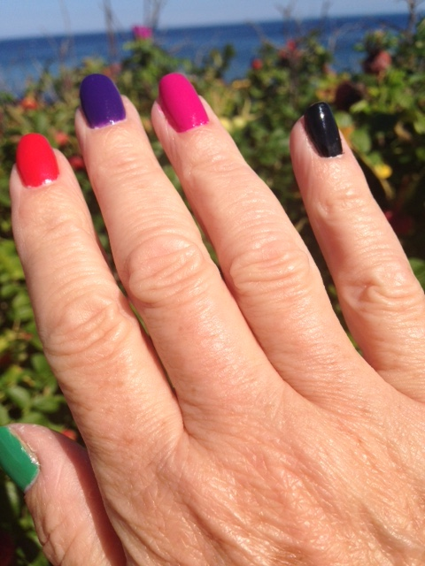 my nails outdoors wearing Sinful Colors SinfulShine Rio Flare Collection nail polish neversaydiebeauty.com