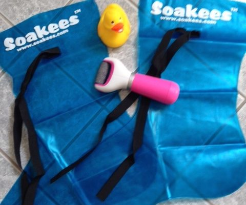Soakees Foot Bath and Amope Extra Coarse Electronic Foot File neversaydiebeauty.com