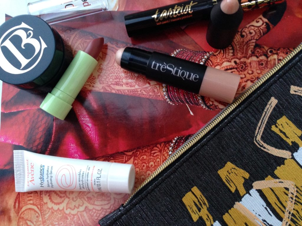 contents of the ipsy Glamazon bag September 2016 neversaydiebeauty.com