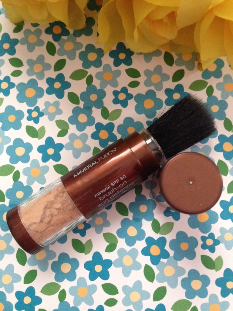 Mineral Fusion Brush-On Block SPF 30 open to show brush neversaydiebeauty.com