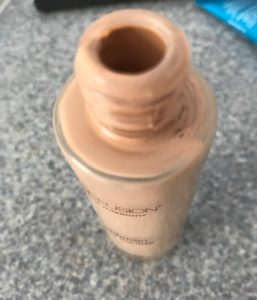 messy opening of the Mineral Fusion Liquid Foundation neversaydiebeauty.com