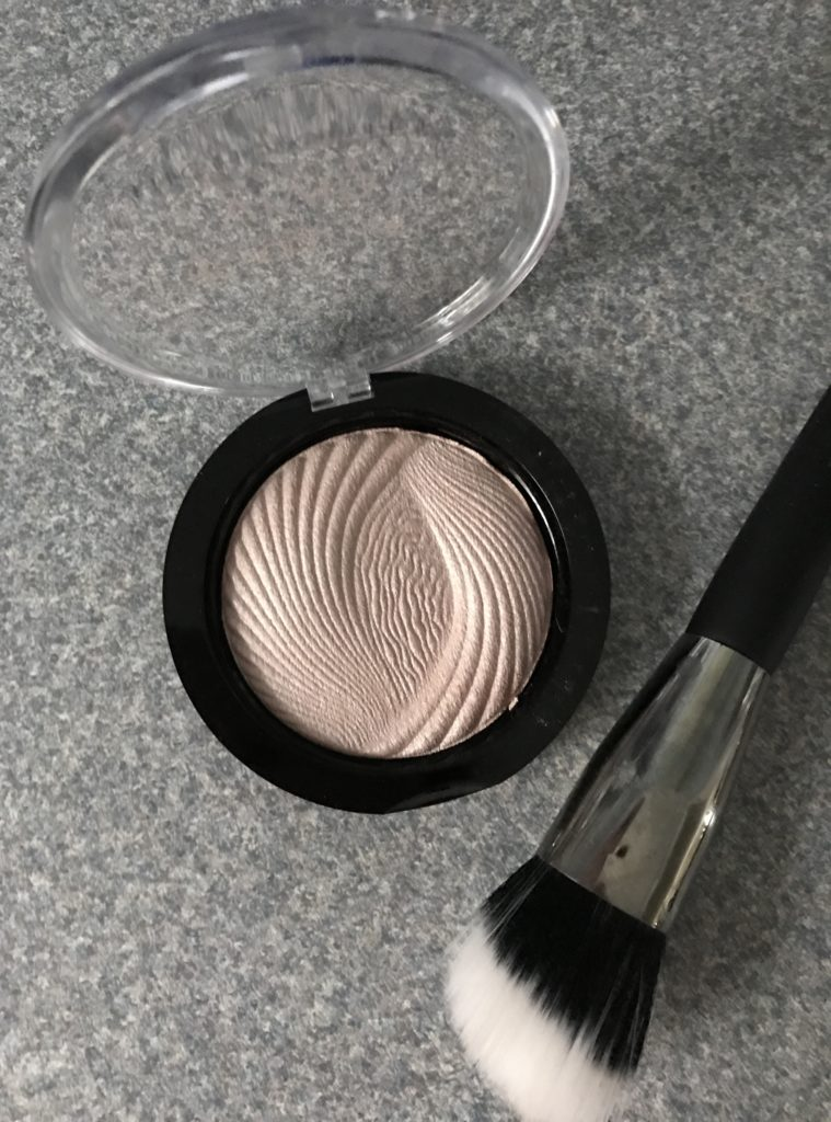 open Makeup Revolution Vivid Baked Highlighter, Radiant Lights neversaydiebeauty.com