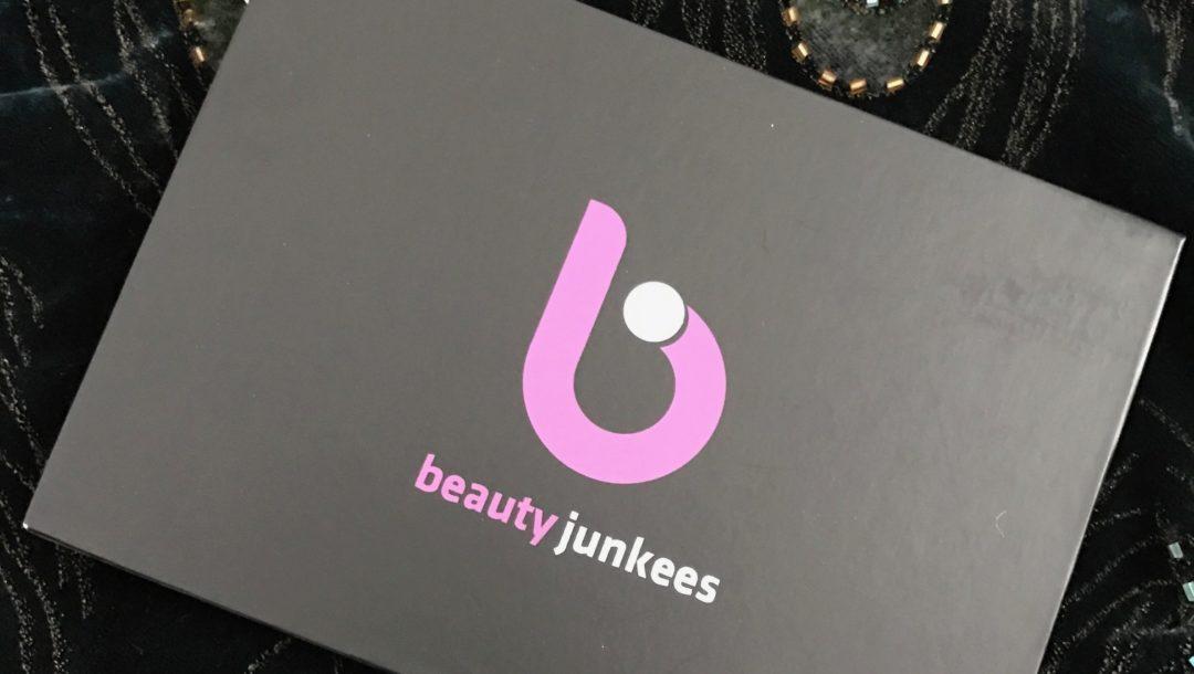 Beauty Junkees Contour Highlight Set outer box, neversaydiebeauty.com