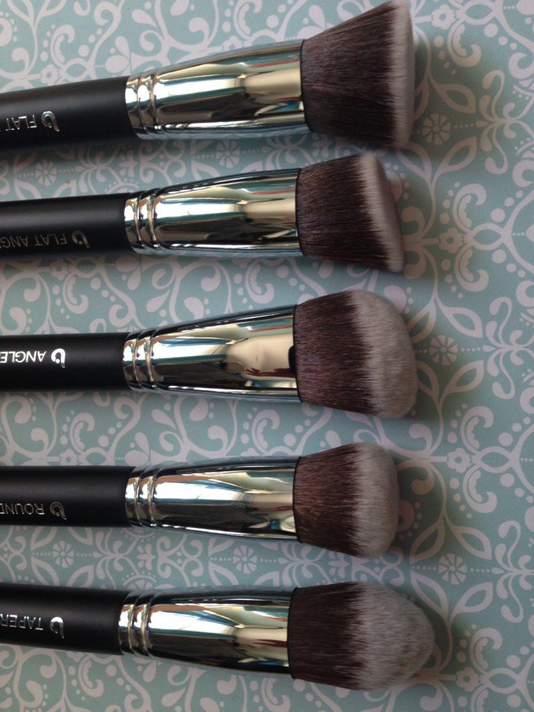 Beauty Junkees Kabuki makeup brush set, brush heads neversaydiebeauty.com