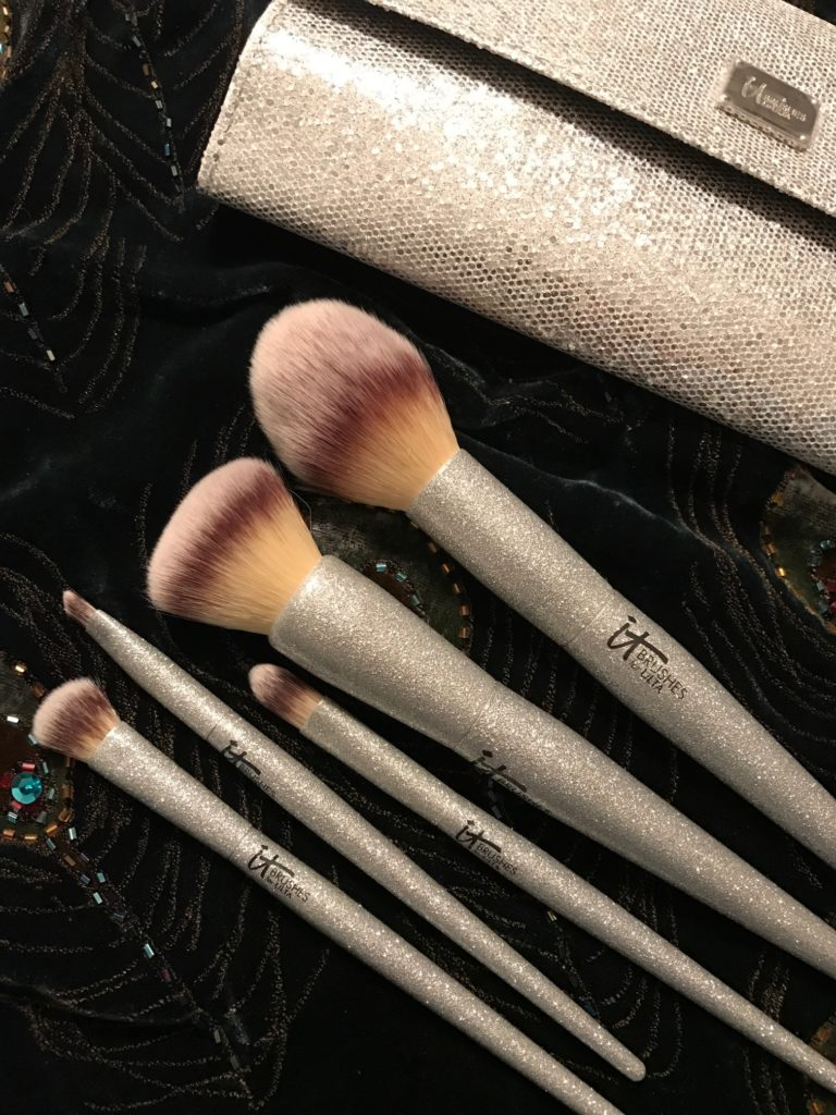 IT Cosmetics for Ulta All That Glitters makeup brush set with silver storage clutch, neversaydiebeauty.com