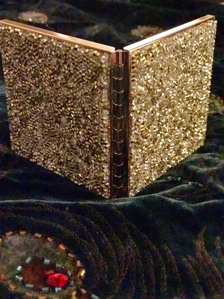 Sephora gold glitter compact purse mirror with glitter on back and front, neversaydiebeauty.com