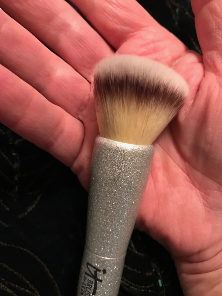 foundation brush from IT Cosmetics for Ulta All That Glitters brush set, neversaydiebeauty.com