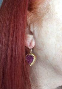 me wear Joli's Drusy Heart Earrings to show the length, neversaydiebeauty.com