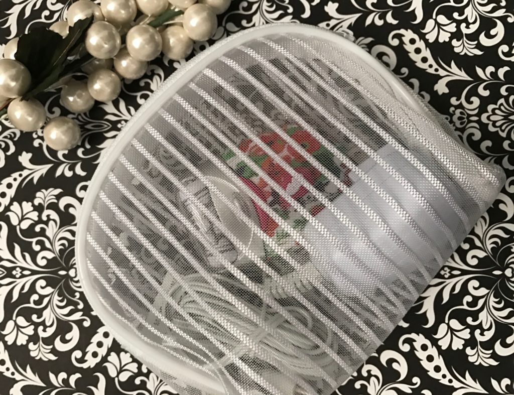 Emjoi eRase e60 Epilator, cord in travel pouch, neversaydiebeauty.com