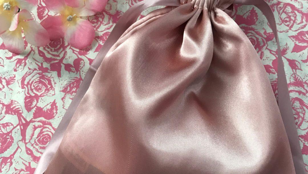 "blush satiny bag, Sephora Play ""The Soft Side"" for February 2017, neversaydiebeauty.com"