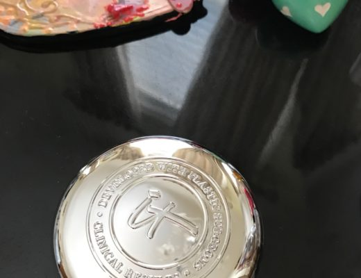 IT Cosmetics Confidence In A Cream compact, neversaydiebeauty.com
