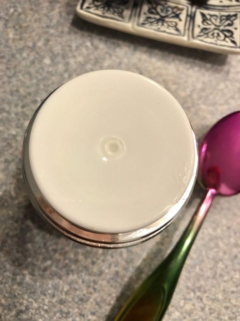 airless pump jar top, neversaydiebeauty.com