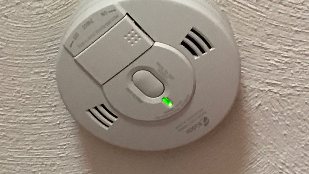 Kidde smoke/carbon monoxide detector, neversaydiebeauty.com
