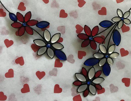 Hanna's Patriotic Glass Flower Necklace from Uno Alla Volta, neversaydiebeauty.com