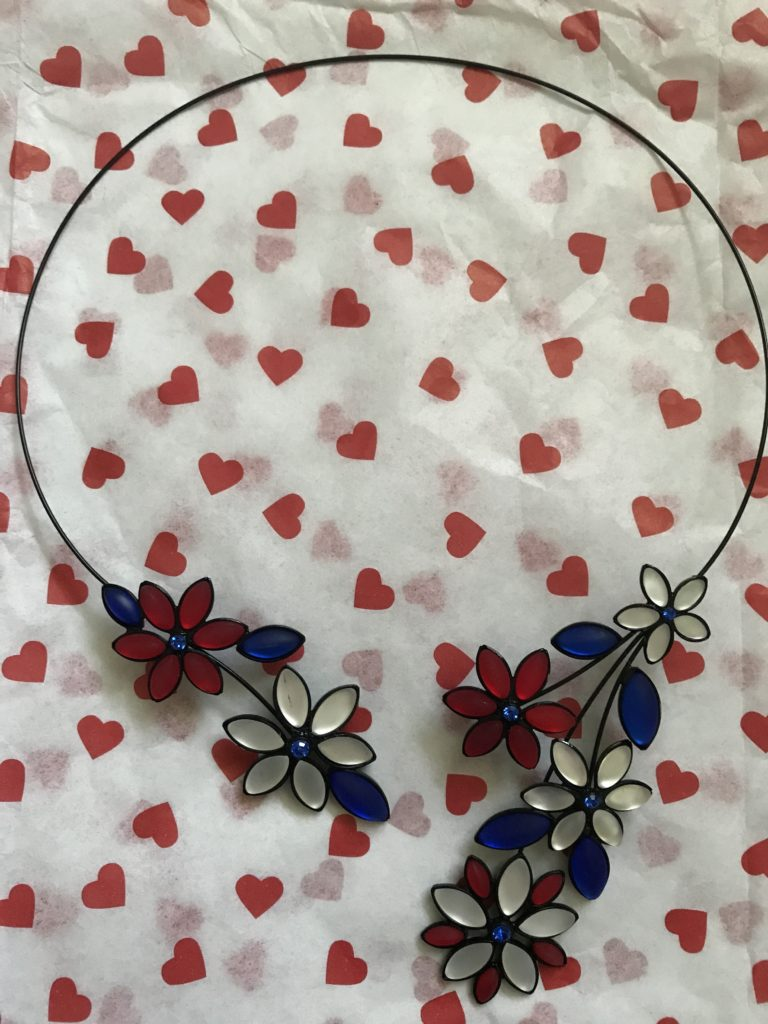 Hanna's Patriotic Flower Necklace from Uno Alla Volta, neversaydiebeauty.com