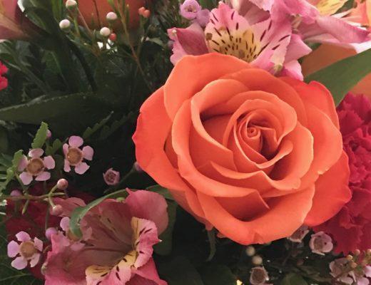 Sendflowers.com Fancy Orange Rose Flower Bouquet closeup, neversaydiebeauty.com