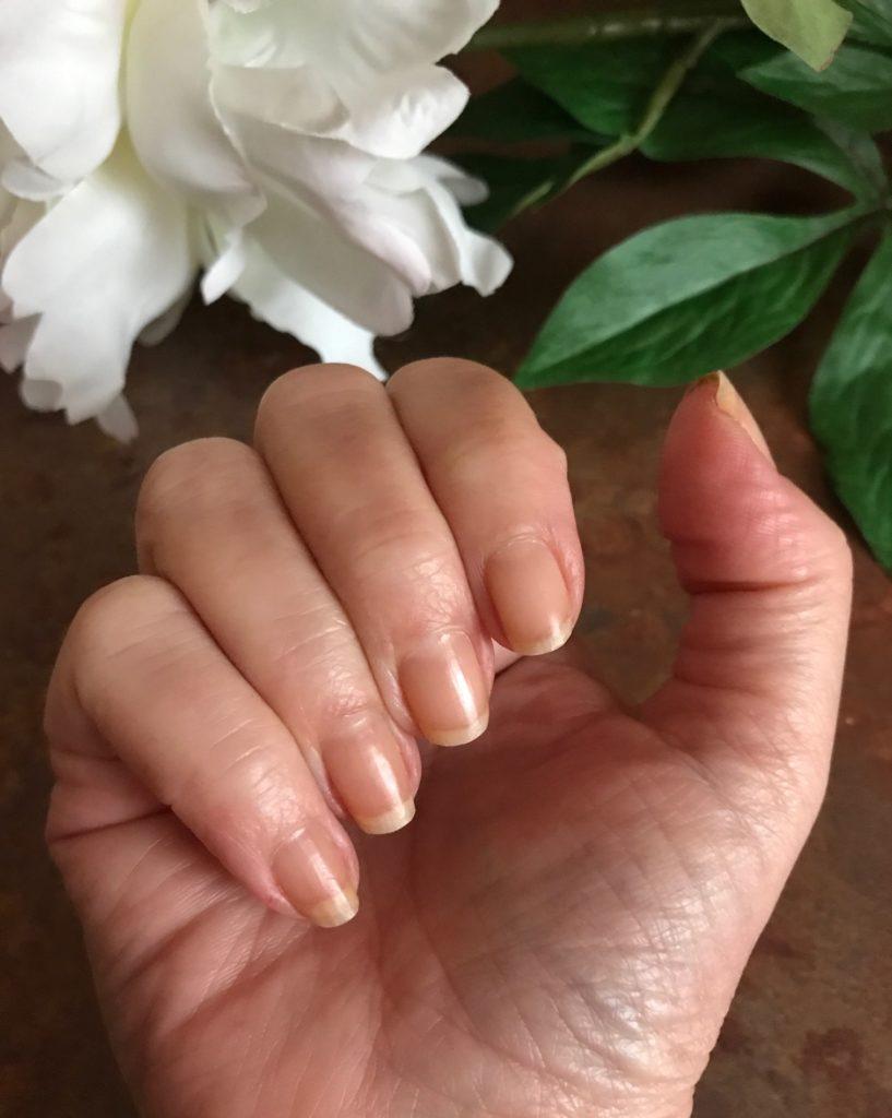 my nails wearing Zoya Naked Manicure Perfector Pink, neversaydiebeauty.com