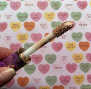 Tarte Shape Tape doe-foot applicator, neversaydiebeauty.com