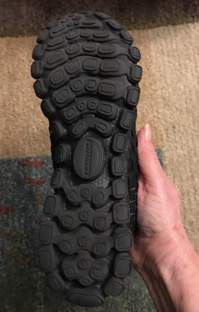 "cushiony sole of Skechers EZ Flex2 ""Tada"" fashion sneakers, neversaydiebeauty.com"