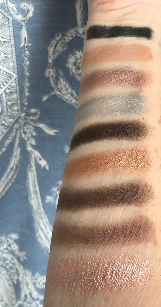Huda Beauty Obsessions Smokey palette swatches, neversaydiebeauty.com