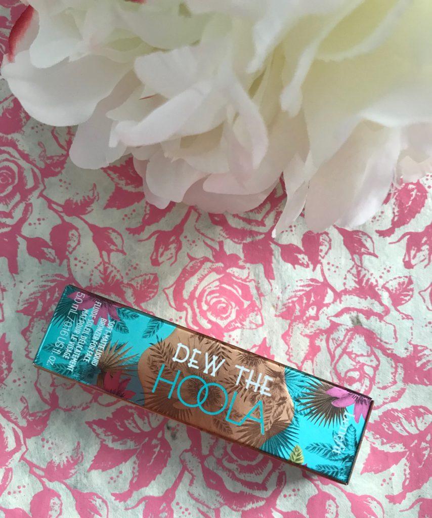Benefit Dew the Hoola Liquid Bronzer, neversaydiebeauty.com